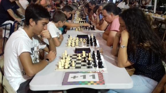9 agosto NOCHES DE AJEDREZ 027